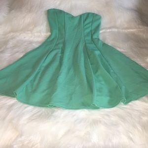 NWOT Mint Strapless Dress